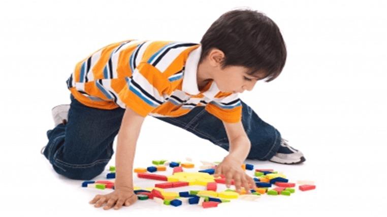 Criança a brincar Ludoterapia